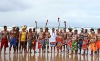 Os competidores do Petrobras Longboard Classic deixaram a disputa de lado por um momento e se uniram para homenagear Olimpio […]
