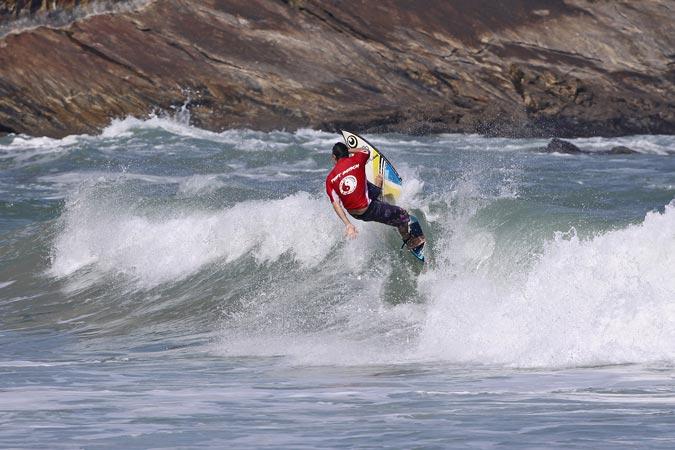 Danilo Rebelo, 1o Open ZL. FotoSurf: Munir El Hage