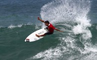 Cada vez mais líder. O catarinense Tomas Hermes avançou às quartas-de-final da terceira etapa do Brasil Surf Pro, em Itamabuca, […]