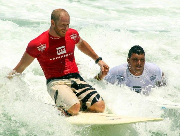 Mullinha vence Phil Razman e fecha Brasileiro de longboard com chave de ouro