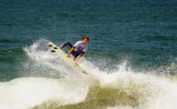 Gustavo Araújo vence Desafio Aéreo de Surfe em Maresias