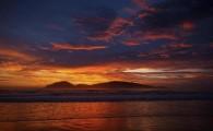 Nos dias 27, 28 e 29 de janeiro, a Praia do Riozinho recebe as melhores atletas do mundo para as disputas do Floripa Tem. O evento contará com as melhores atletas do mundo em uma das melhores ondas do litoral brasileiro.