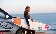 Campeã Nacional de Surf em 2009 e atual 6ª do Circuito Europeu WQS , Joana vai assim iniciar a temporada esportiva de 2012 ao volante de um KIA Soul, que a ajudará nos seus treinos diários, no circuito nacional de Surf