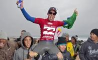 O paulista Adriano de Souza conquistou uma inédita vitória brasileira nas direitas de Jeffreys Bay, na África do Sul. Na […]