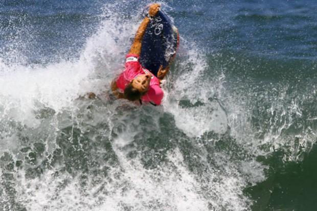 Isabela Souza, campeã do Rio Bodyboarding International. Foto: Pedro Monteiro / Adding.