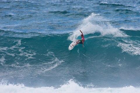 Alejo Muniz fica entre os melhores nas duas primeiras etapas da Tríplice Coroa Havaiana