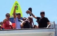 Com desfile em cima de caminhão pelas ruas de Santos, Leco Salazar érecebido por família e amigos e comemora o […]