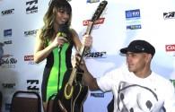 """Kelly Slater se mostrou muito bem humorado nesta terça-feirano Rio de Janeiro. Ele foi apresentado à """"surfista"""" mais conhecida […]"""