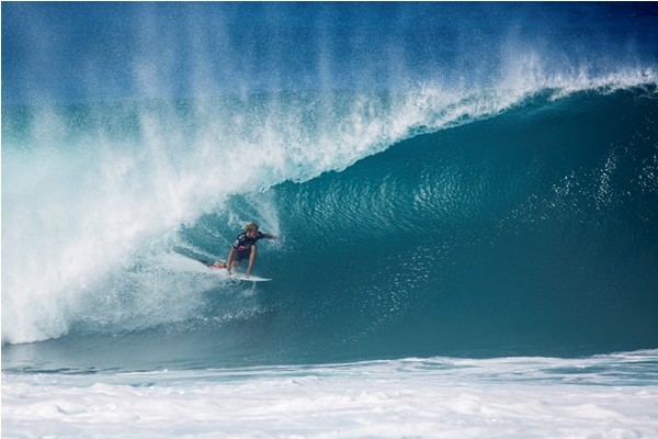 John John Florence é bicampeão da Tríplice Coroa Havaiana contra Mick Fanning (Foto: Kirstin Scholtz/ASP)
