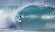Um cenário perfeito no Havaíno domingo ensolarado de praia lotada para abrir o Billabong Pipe Masters em tubos de 6-8 […]