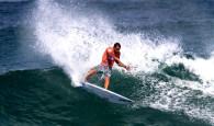 Confirmando as previsões, a sexta-feira amanheceu com vento sudoeste forte e ondas muito pequenas na Praia de Itaúna para a […]