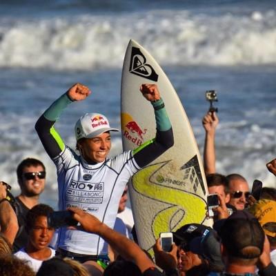 Parabéns a Sally Fitzgibbons que acabou de vencer a etapa brasileira do circuito mundial de surf na Barra da Tijuca(RJ).