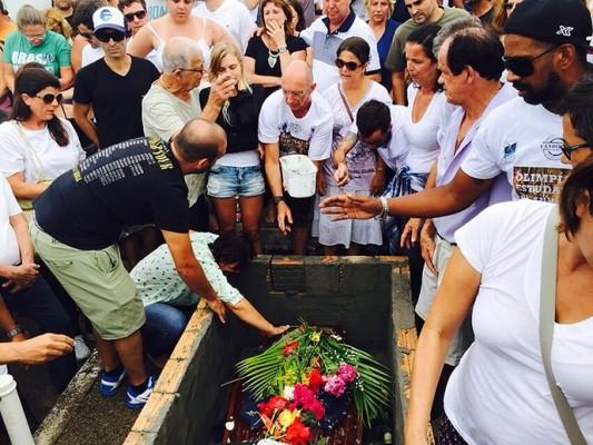 enterro_ricardo_dos_santos_foto_surfe