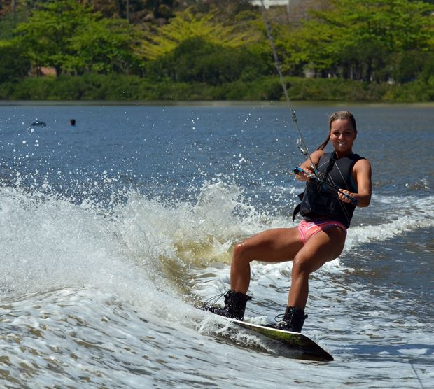 Carol Guarnieri de Wakeboard