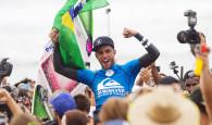 Primeira vitória do ubatubense é conquistada com nota 10 na última onda que surfou na final contra o australiano Julian […]