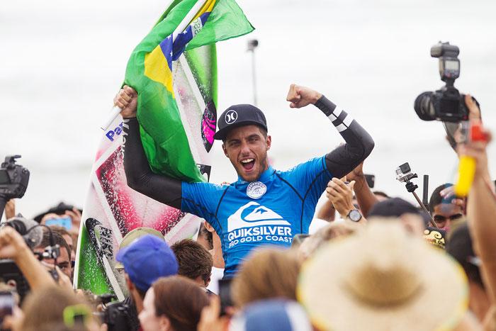 Filipe Toledo é campeão do Quiksilver Pro na Austrália