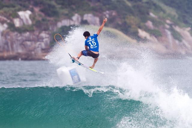 Italo Ferreira (RN). Foto: Daniel Smorigo / WSL