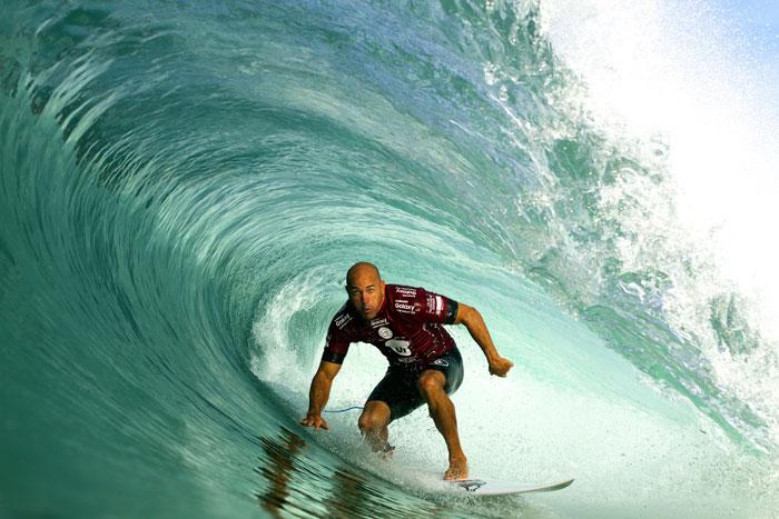 Kelly Slater surfou tubos incríveis