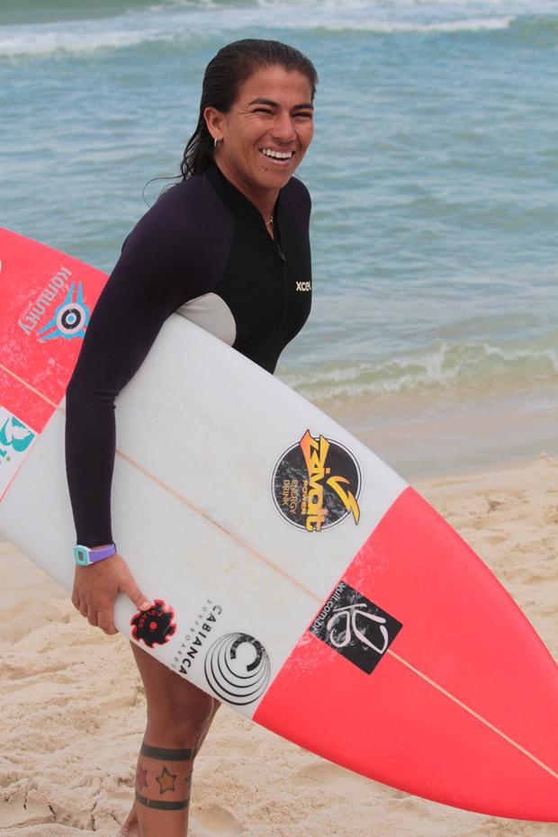 Silvana Lima, treina no Rio de Janeiro para o Rio Pro 2015.