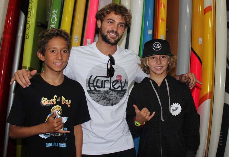 Surfista Alejo Muniz na premiação do SP Contest 2015
