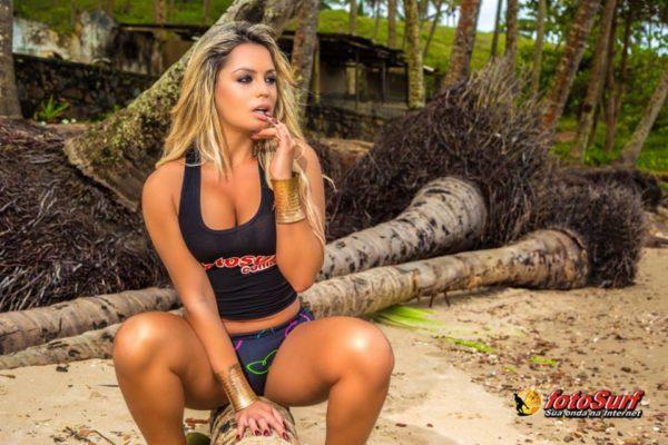 Ester Matchuga, faz ensaio sensual