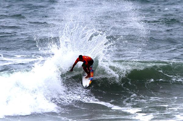 Michael Rodrigues (CE) FotoSurf: Daniel Smorigo / WSL