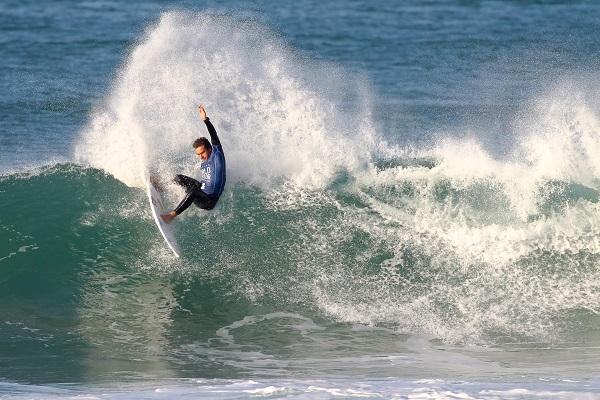 Lucas Silveira (BRA). FotoSurf: Ericeira Junior Championships