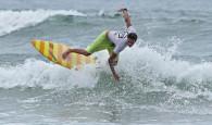 Em um típico fim de semana de verão, com ondas de meio metro e muito sol, Thiago Meneses garantiu os […]