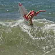 Surf Feminino - Mulheres surfando